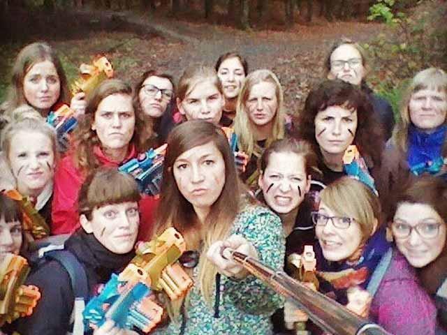 Laserhooting meisjes groep teambuilding